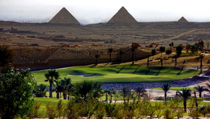Hail in the shade of the Egyptian Pyramids